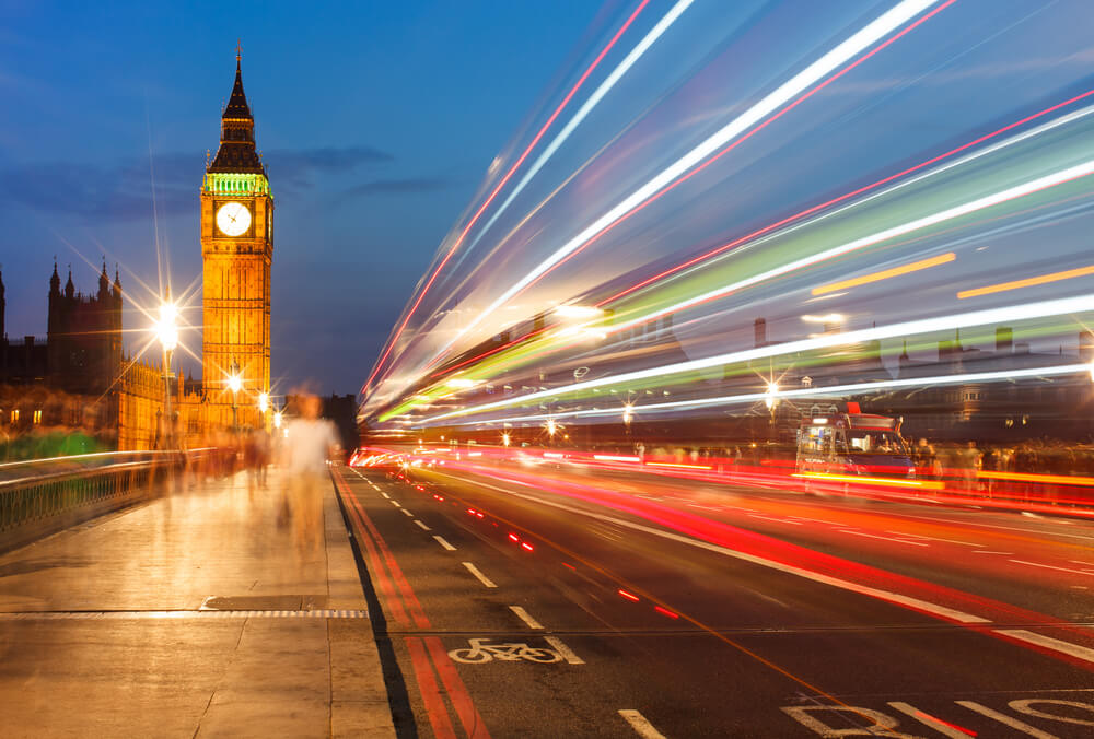 Houses of Parliament at night - iomart